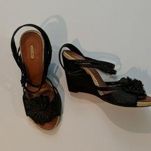 Max Studio size 9.5 sandals